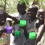 African-Children-with-food-cups-FFEgov
