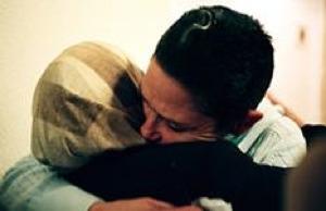 mideast-hugs.jpg