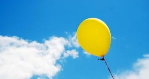 balloon-in-sky-by-incurable-hippie