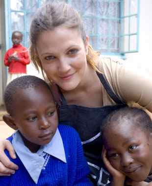 drew-barrymore-in-kenya.jpg