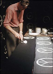 peace-artist-gerald-holtom.jpg