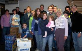 food-pantry-group.jpg