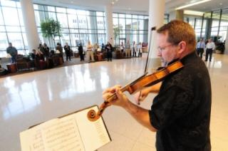 violinist-hospital-lobby.jpg