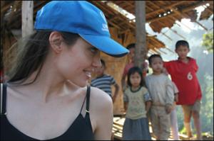 jolie-unhcr-photo.jpg