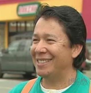 mi-pueblo-employee