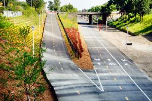 detroit-deqcut-walkway.jpg