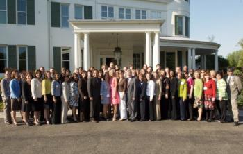 teachers-pose-at-white-house.jpg