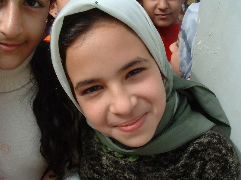 800px-iraqi_girl_smiles.jpg
