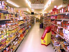 grocery-store-aisle