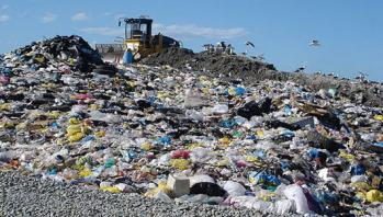 landfill-heap-plastic