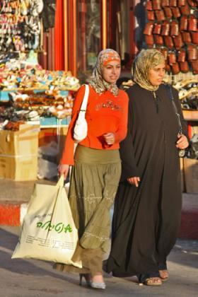 palestinian-shoppers.jpg