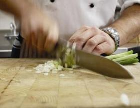 chef-chopping-camelean-restaurant.jpg