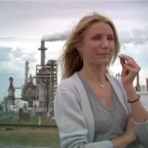 cameron-diaz-polluting-factory.jpg