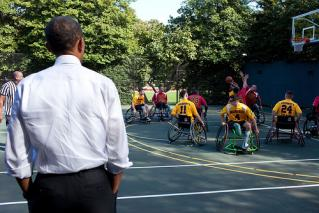 Obama watches wheelchair basketball vets at the White House