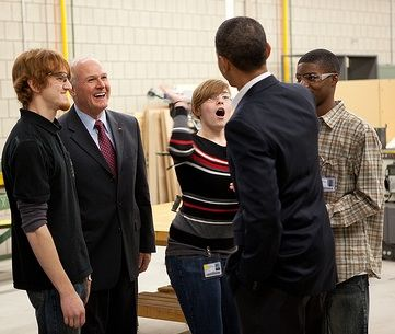 obama_with_hs_students.jpg