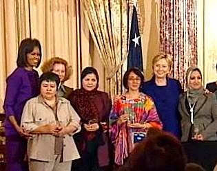 women-of-courage-mrs.clinton-obama.jpg
