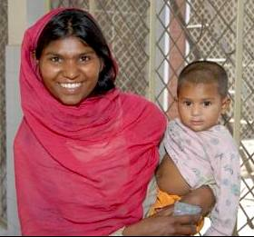 Pakistani mother, photo by USAID