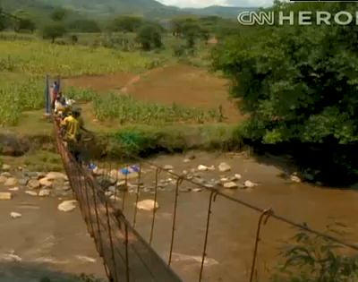 American helps build hanging bridges in Kenya