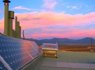 photo of home off the grid - EarthShip.com