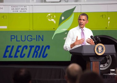 Obama opens electric battery plant, WH photo