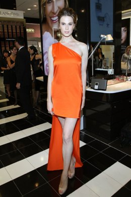 Fashion-model-Stella-Mccartney-dress