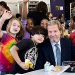 Jeff Bridges with school children - Share Our Strength Photo (all rights reserved)