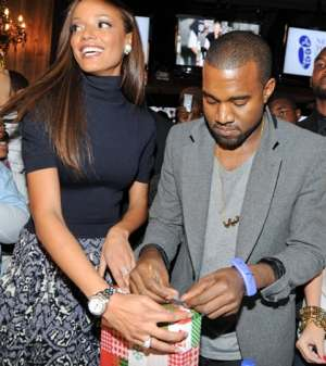 Kanye West wraps for NYFC charity - photo from NYFC