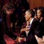 Dyan shakes Obama's hand