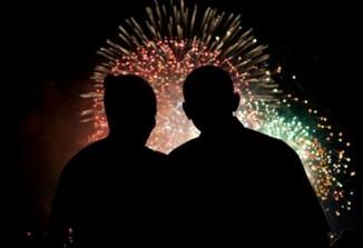 8obamas-july4-fireworks_533_365_90