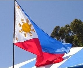 Phillipine flag - photo by Bisayan lady, flickr