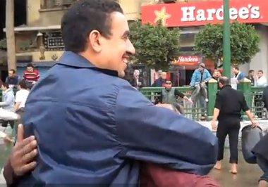 egypt-volunteerism-hugs-DailyNewsEgypt
