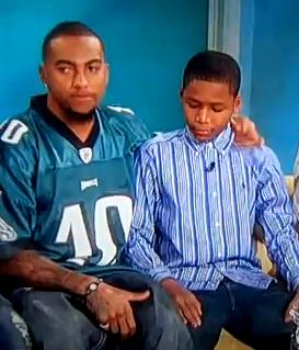 Phily Eagle comforts bullied boy ABC Video