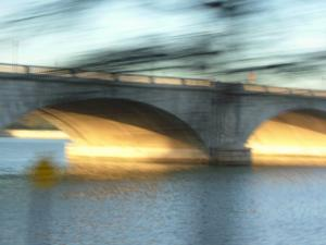 blurry Memorial Bridge
