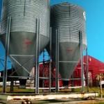 hog waste storage by Jonathen Darwin via Morguefile - CC