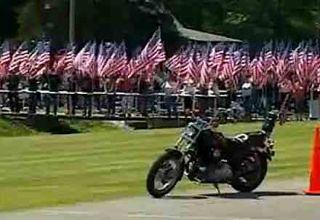 flags-line-road-bikers-vid