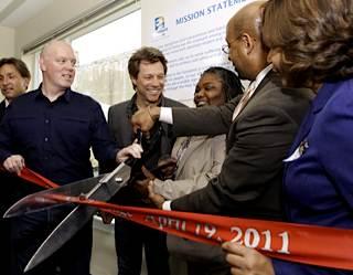 Bon Jovi dedicates housing