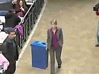 flashmob rewards this recycling lady