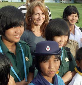 Thai orphans a new family for grief-sticken US mom - CNN Video
