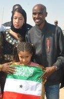 Mo Farah w family and flag - Photo by Somaliland Press