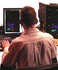 video gaming by mzacha via morguefile.com