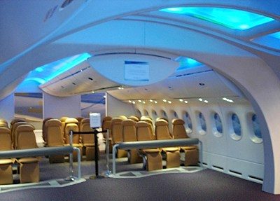 Boeing 787 interior mockup view-CC
