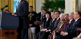 Obama gives 2011 Citizens Medals