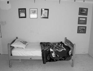 bedroom before makeover
