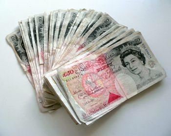 50 pound notes pile