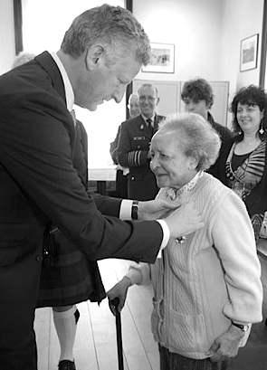 Belgian nurse awarded medal for WWII valor