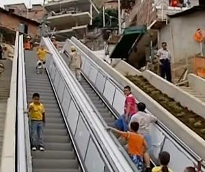 escalator in Colombia helps poor