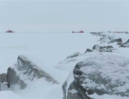Iced-in Nome Alaska tanker arrives-CoastGuard