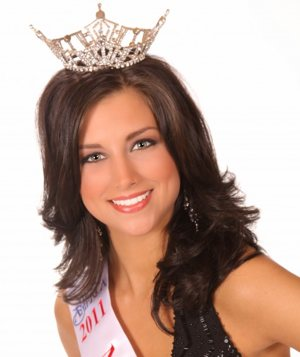 Miss Wisconsin Laura Kaeppeler -pageant photo