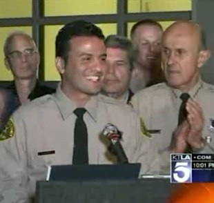 Police deputy in LA -LA Times video
