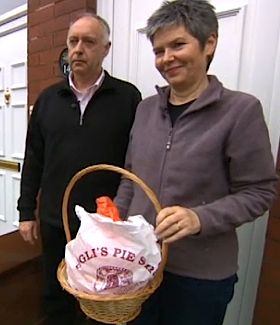 British couple finds 20K donation on doorstep
